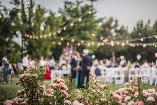 Invitati ai matrimoni estivi, come vestirsi