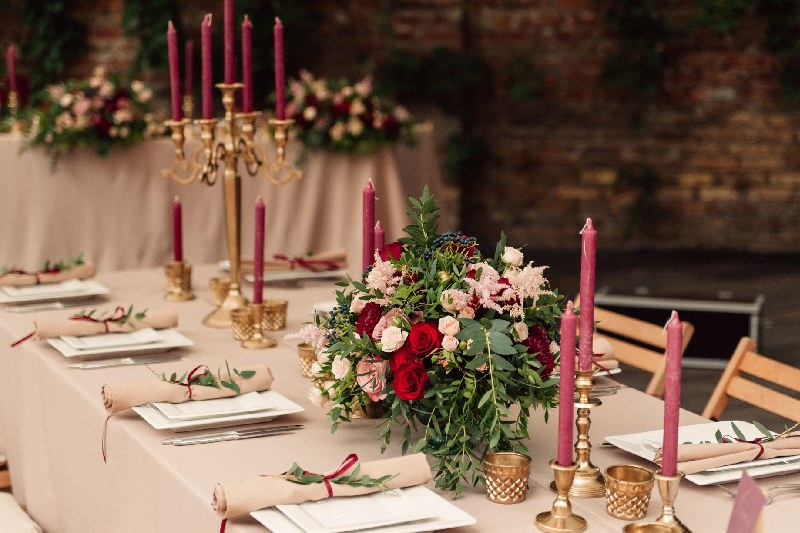 matrimonio tema vino colori centrotavola