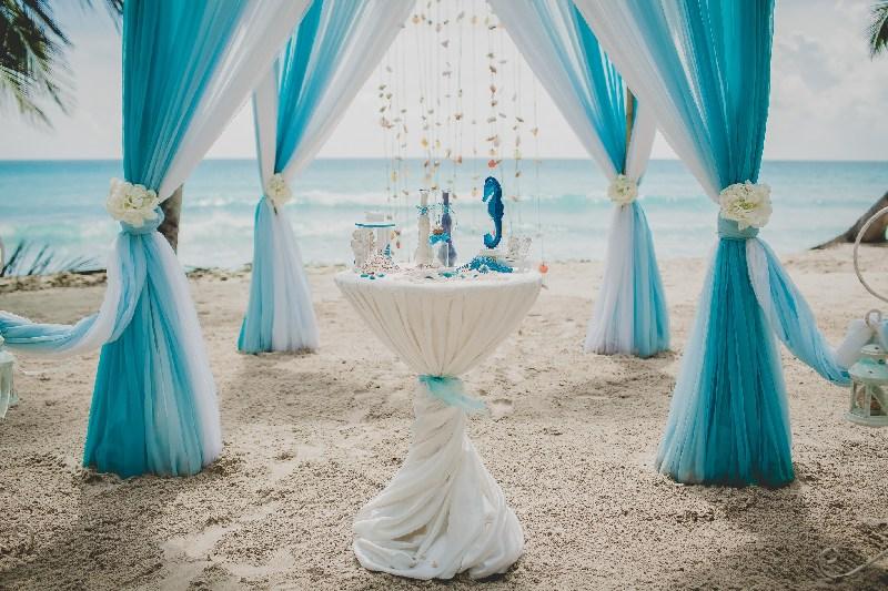 colori giusti matrimonio blu mare