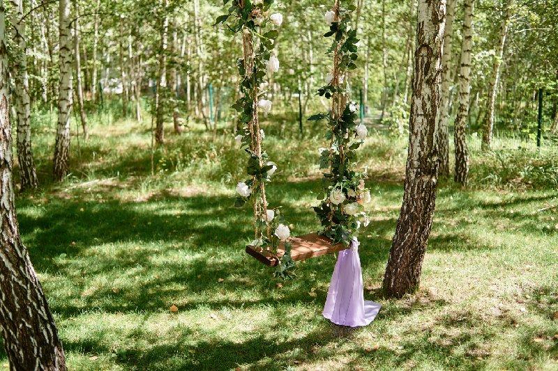 altalena per matrimonio nel bosco